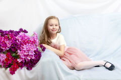 美丽的小女孩5-6年 免版税库存图片