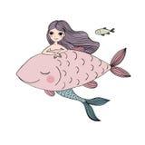 美丽的小的美人鱼和鱼 警报器 库存图片
