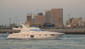 美丽的小船在迪拜Creek 库存图片