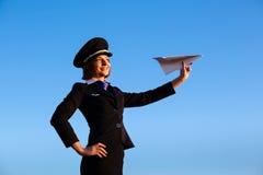 美丽的少妇空中小姐 免版税库存照片