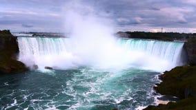 美丽的尼亚加拉瀑布在加拿大 股票视频