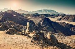 美丽的山在阿拉伯沙漠 库存照片