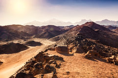 美丽的山在阿拉伯沙漠 图库摄影