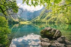 美丽的山湖在巴伐利亚,德国 免版税图库摄影