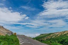 美丽的山路 免版税图库摄影