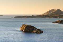美丽的岩石海 从Sounio的看法在希腊 免版税库存图片