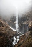 美丽的岩石瀑布 免版税库存图片