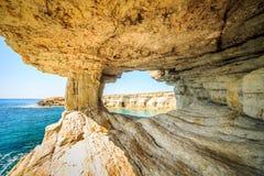 美丽的峭壁和曲拱在Aiya纳帕,塞浦路斯 图库摄影