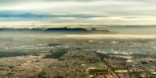 美丽的市的鸟瞰图开普敦 库存照片