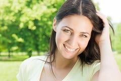美丽的幸福妇女 免版税库存照片