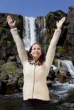 美丽的庆祝的瀑布妇女年轻人 库存照片