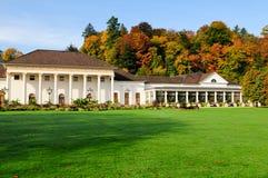 美丽的庭院宫殿 免版税库存图片
