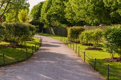 美丽的庭院路径 图库摄影