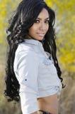 美丽的异乎寻常的少妇长的头发 免版税库存图片