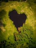 美丽的心形的湖 库存图片