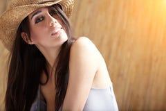 美丽的性感的女牛仔 免版税库存图片