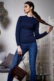美丽的性感的妇女深色的头发东部样式阿拉伯语摩洛哥 库存照片