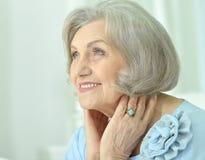美丽的愉快的年长妇女 库存照片