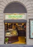 美丽的意大利咖啡馆在佛罗伦萨-佛罗伦萨/意大利- 2017年9月12日的历史的市中心 库存照片