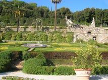 美丽的意大利庭院 库存图片