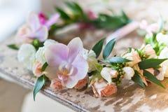 美丽的手工制造花卉花圈 库存图片
