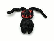 美丽的手工编织的做的兔子纪念品玩&# 库存图片