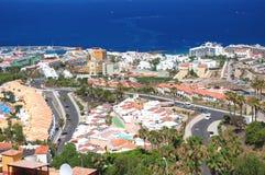 美丽的手段playa de las美洲美丽如画的卓著的风景在特内里费岛,西班牙的 库存照片