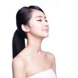 美丽的护肤妇女面孔 免版税图库摄影