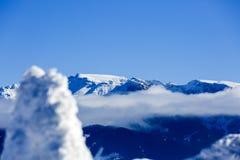 美丽的抽象风景冬天山 免版税库存照片