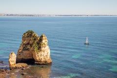 美丽的拉各斯costline,阿尔加威,葡萄牙 免版税库存图片