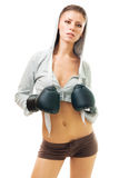 美丽的拳击手套妇女 免版税库存照片