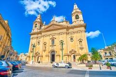 美丽的教区教堂在纳沙尔,马耳他 库存照片