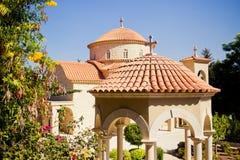 美丽的教堂在圣乔治修道院里  免版税库存图片