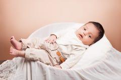 美丽的新出生的女婴 免版税库存照片