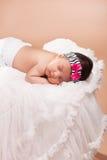 美丽的新出生的女婴 免版税库存图片