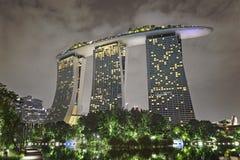 美丽的新加坡在晚上 库存照片