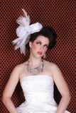美丽的新娘严重的方式婚礼 免版税库存照片