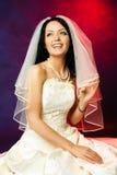 美丽的新娘愉快笑 图库摄影