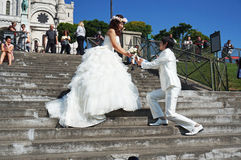 美丽的新娘新郎 免版税库存图片