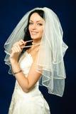 美丽的新娘浅黑肤色的男人珍珠 免版税图库摄影