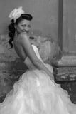 美丽的新娘浅黑肤色的男人 免版税库存照片