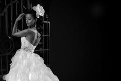 美丽的新娘浅黑肤色的男人 图库摄影