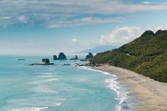 美丽的新西兰西海岸海岛海滩 免版税库存图片