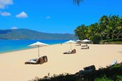 美丽的景色在海岛上的旅馆疆土 图库摄影