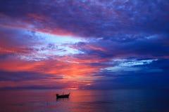 美丽的暮色天空 免版税库存图片