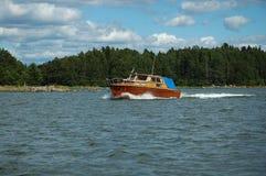 美丽的木小船在波罗的海 库存照片