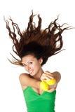 美丽的柠檬位于的显示妇女 免版税库存图片
