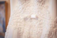 美丽的样式婚礼礼服 库存照片