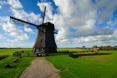 美丽的横向荷兰风车 免版税库存图片