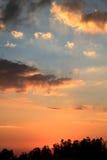 美丽的橙色天空 免版税库存照片